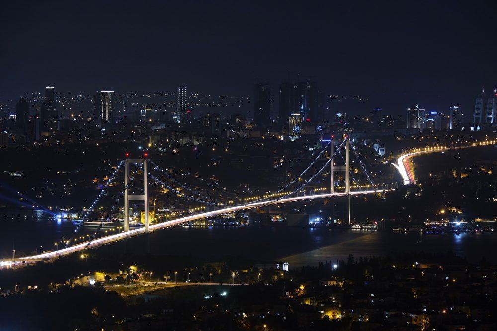 https://dlaignite.com/wp-content/uploads/2017/01/social-media-experts-istanbul-1-e1488545876512.jpg