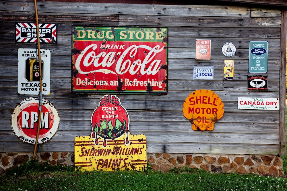 https://dlaignite.com/wp-content/uploads/2017/08/advertising-antiques-coca-cola-210126.jpg