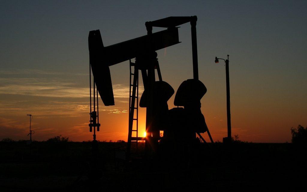 https://dlaignite.com/wp-content/uploads/2017/11/oil-monahans-texas-sunset-70362-1024x682-1-1024x640.jpg
