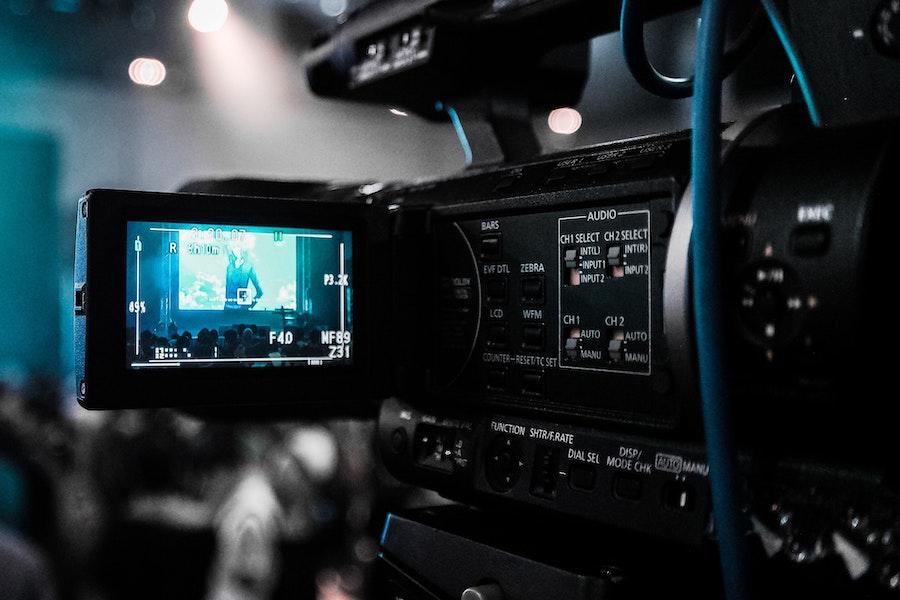 https://dlaignite.com/wp-content/uploads/2018/11/broadcast-broadcasting-camcorder-66134-1.jpg
