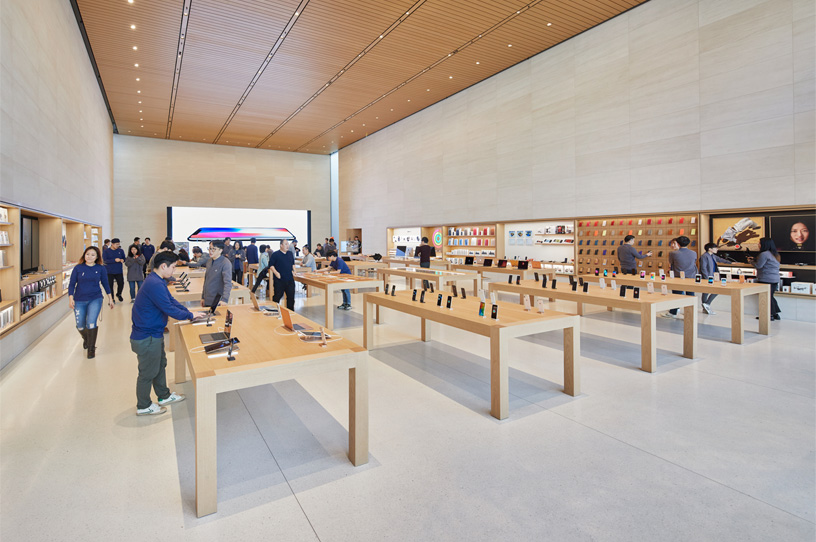 https://dlaignite.com/wp-content/uploads/2019/01/Seoul-Apple-Garosugil-In-Store-01242018_big.jpg.large_.jpg