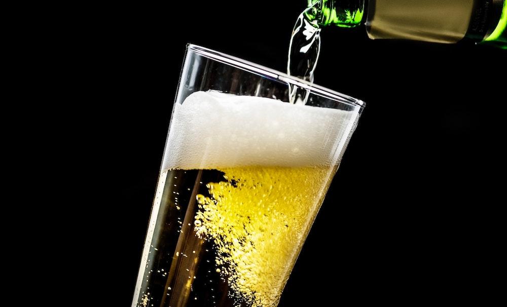 https://dlaignite.com/wp-content/uploads/2019/01/alcohol-alcoholic-beverage-alcoholic-beverages-1574673.jpg