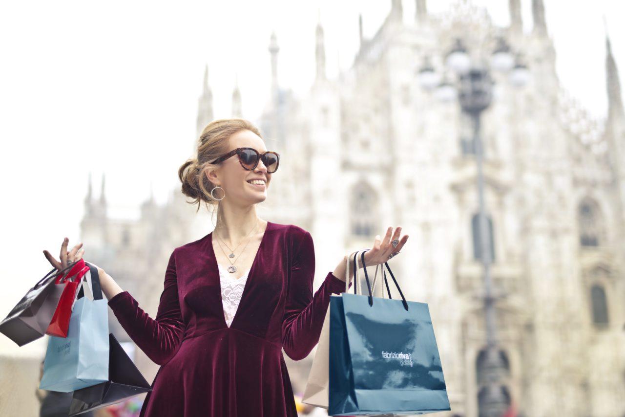 https://dlaignite.com/wp-content/uploads/2020/02/woman-wearing-maroon-velvet-plunge-neck-long-sleeved-dress-972995-1280x853.jpg