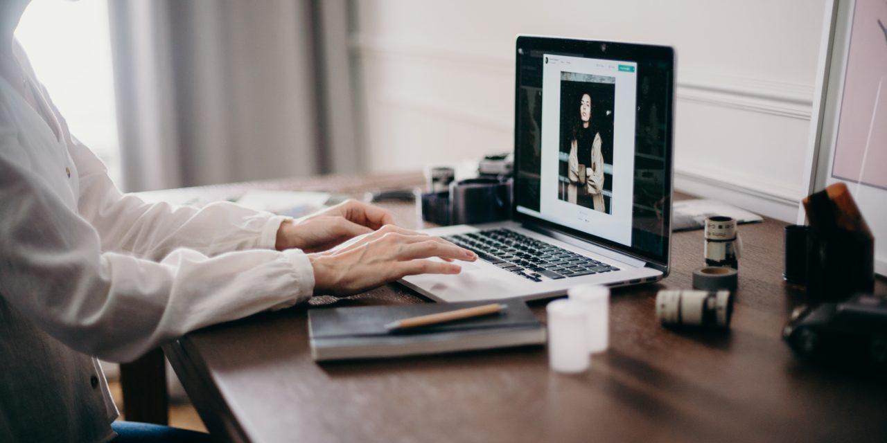https://dlaignite.com/wp-content/uploads/2020/03/selective-focus-photography-of-woman-using-macbook-pro-3584996-1280x640.jpg